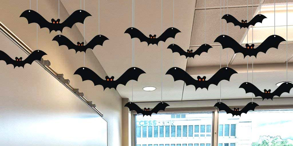 How to make DIY hanging bats for Halloween?