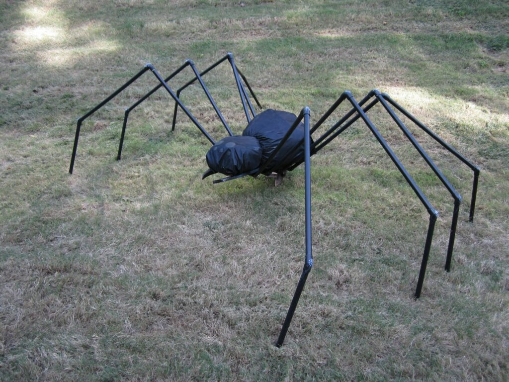 How to make Giant Spiders for Halloween at home?